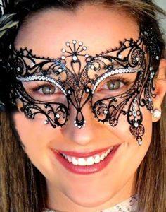 Filigree Mask Sabrina with Crystals